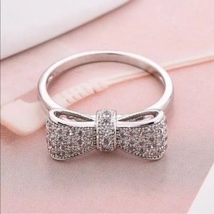 Bow tie silver fashion ring